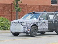 Загадочный трехрядный внедорожник Ford «засветился» на шпионских фото